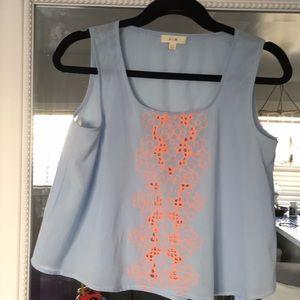 Tops - Medium crop shirt